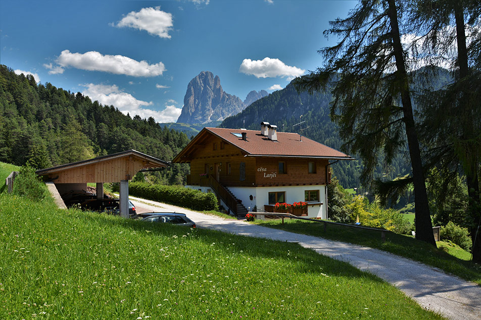 Welcome to apartment Larjëi in Ortisei in Val Gardena in South Tyrol - Italy